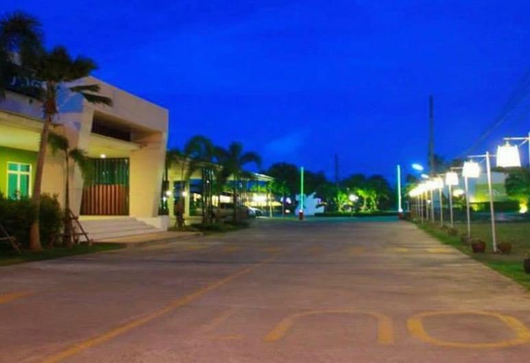 Ravadee Hotel,  Nakhon Si Thammarat, Pročelje hotela – navečer/po noći