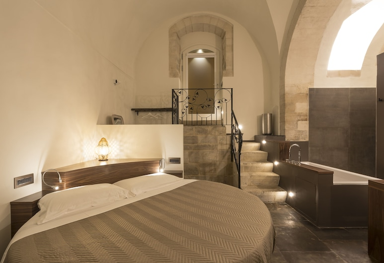 Giardino di Pietra, Ragusa, Suite Junior, 1 letto king, vasca da bagno, Camera