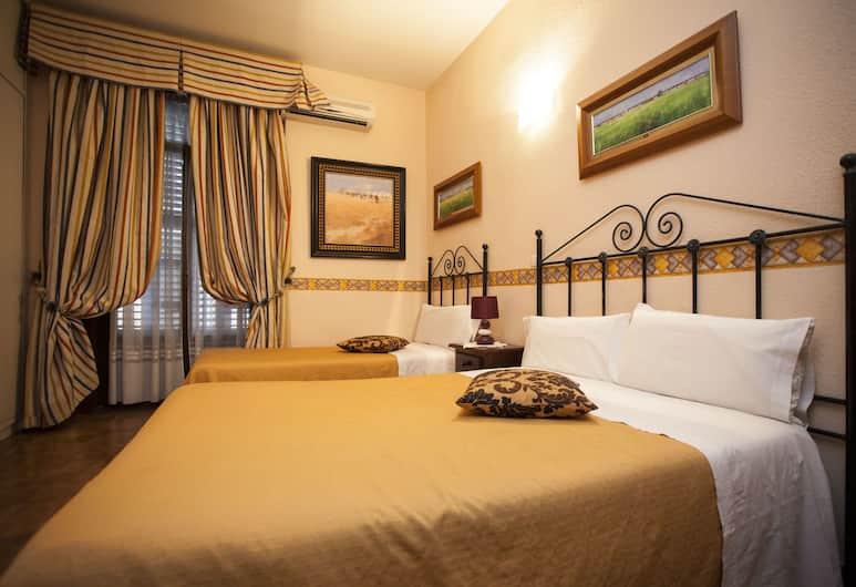 Hostal Armesto, Madrid, Habitación triple, baño privado, Habitación