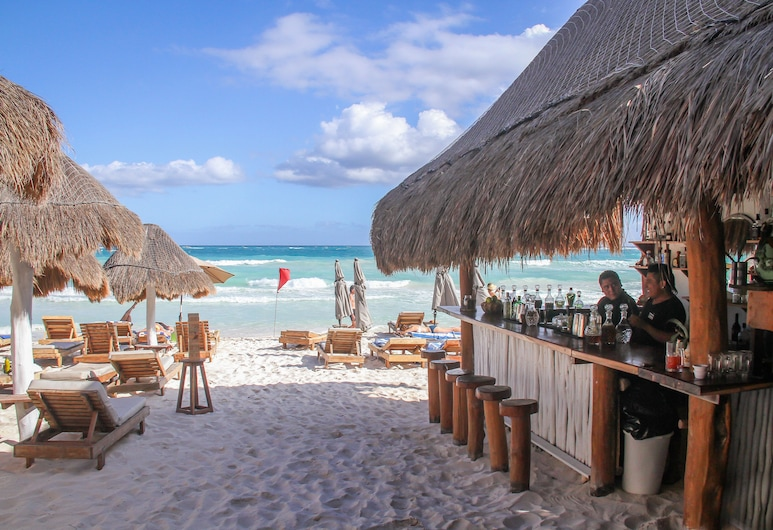 Playa Canek Beachfront Eco Hotel, Tulum, Hotel Bar