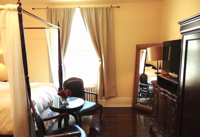 The Rendell Shea Manor, St. John's, Deluxe Room (Margaret Rendell Room), Guest Room