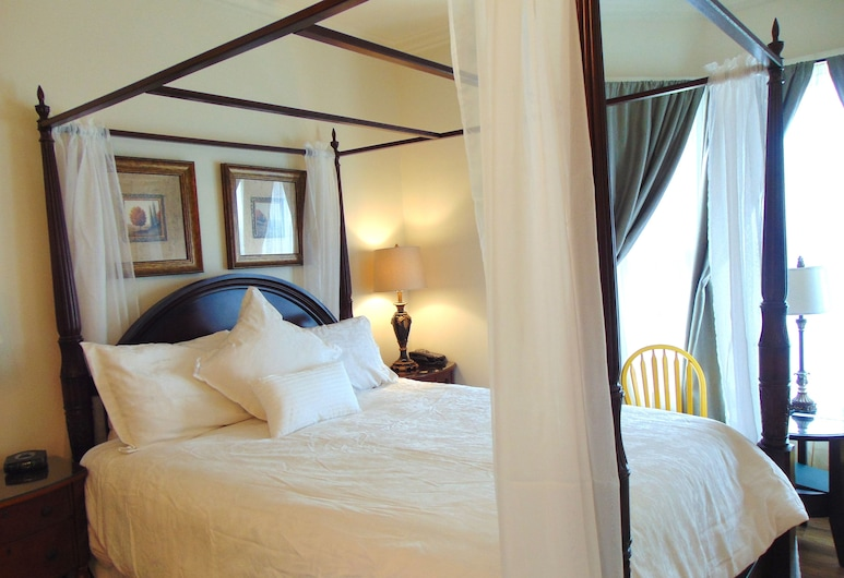 The Elizabeth Manor Guesthouse, St. John's, The Trinity Bay Room with jacuzzi bath, Guest Room