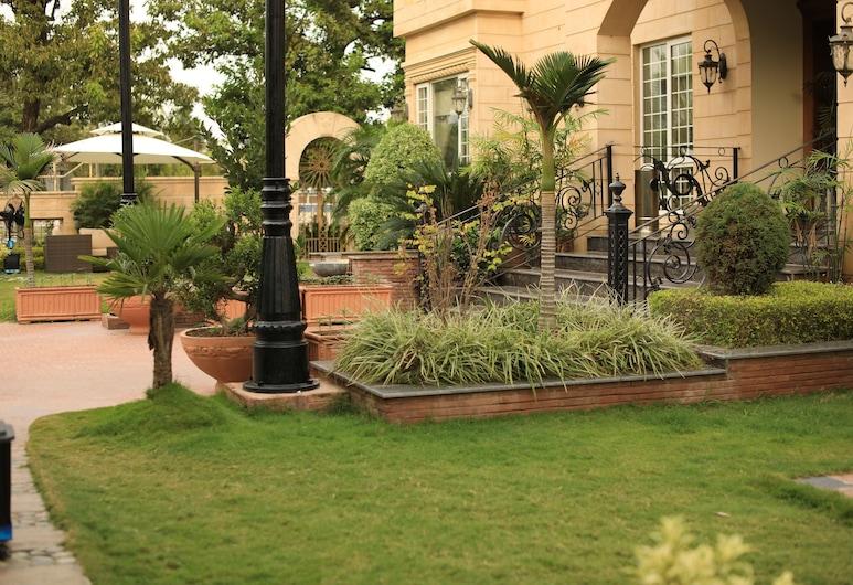 Bella View Lounge, Islamabad, Garten