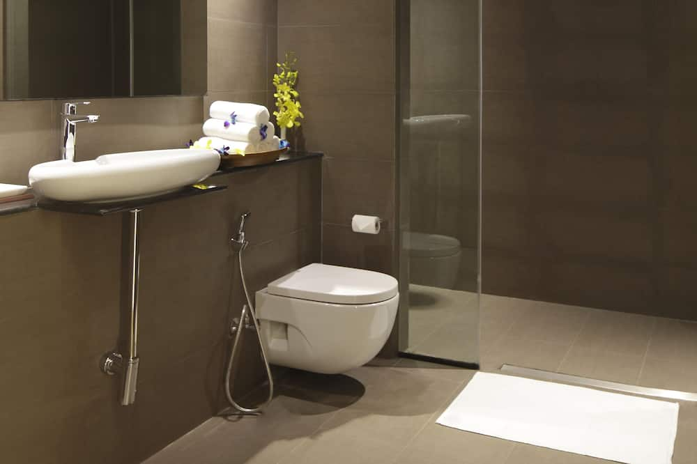 Room, 2 Twin Beds, Non Smoking (International Wing) - Bathroom