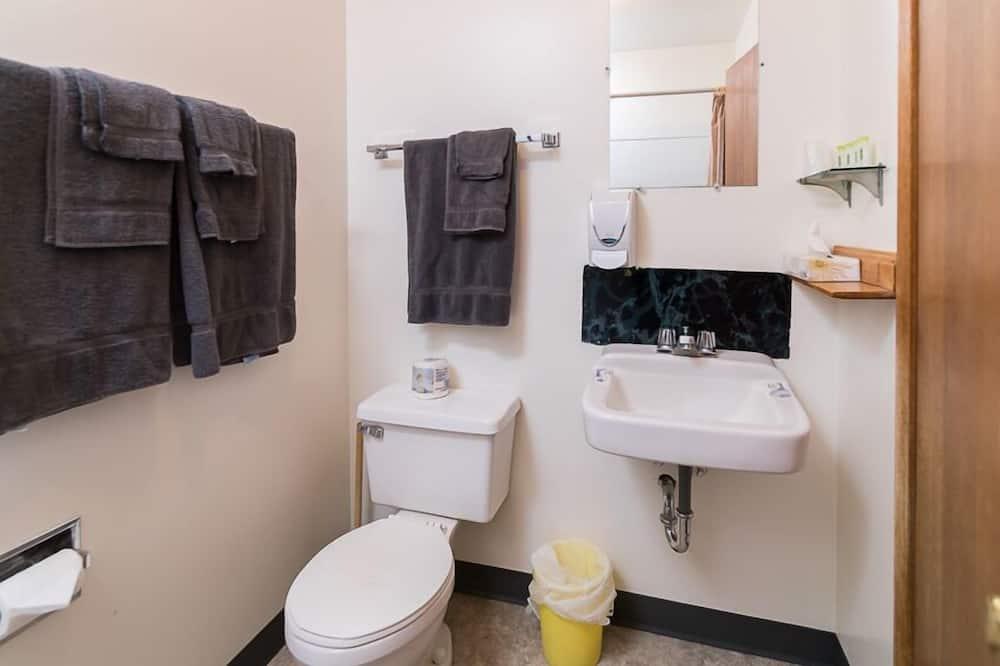 Chambre, 1 lit double - Salle de bain