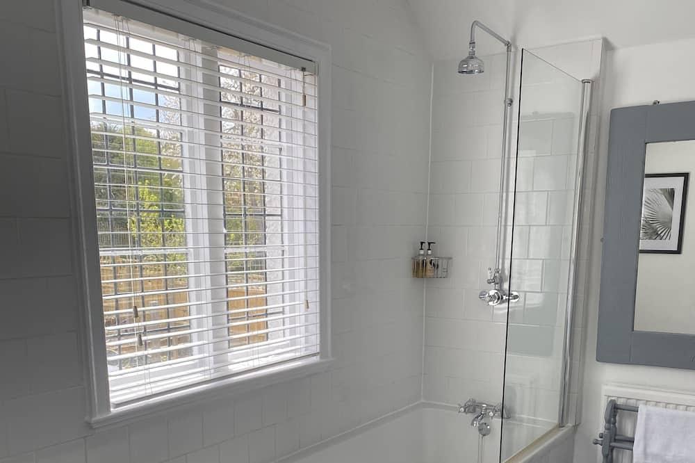 Family Room (Room 1) - Bathroom