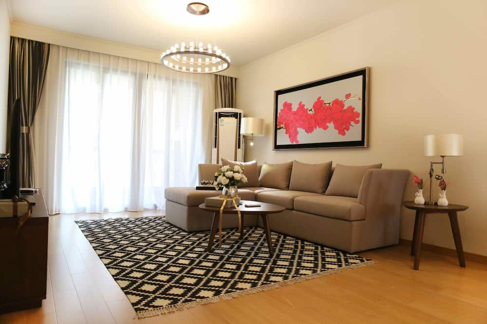 Superior Room, 3 Bedrooms - Living Area