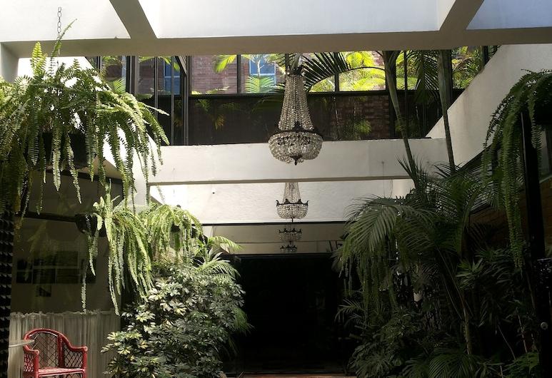 Apart-Hotel Suites Reforma, Guatemala City, Vchod do hotela