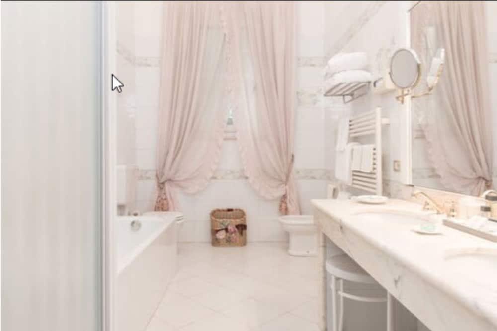 Suite (Spa Access) - Baño