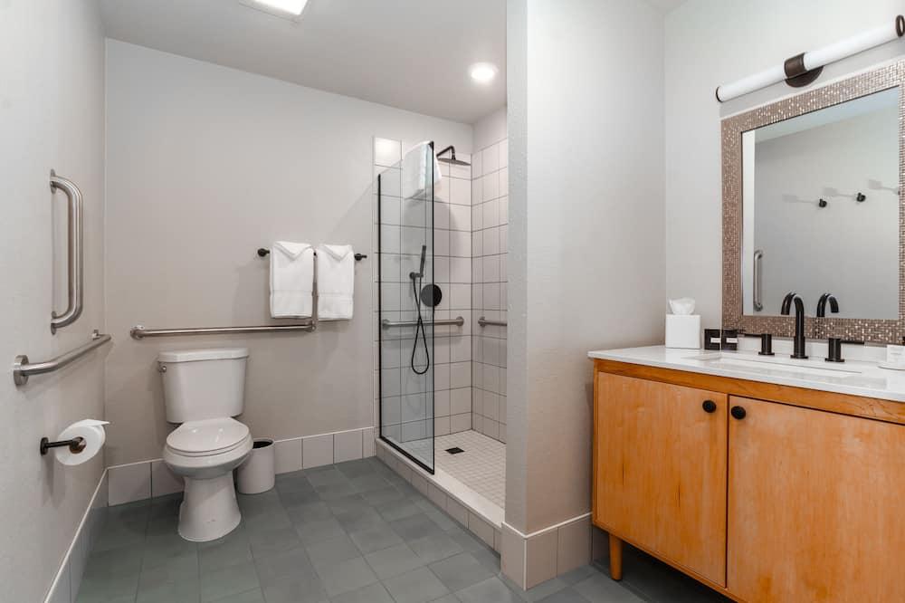 Suite, 1King-Bett und Schlafsofa, barrierefrei (Bountiful Unwinding) - Badezimmer