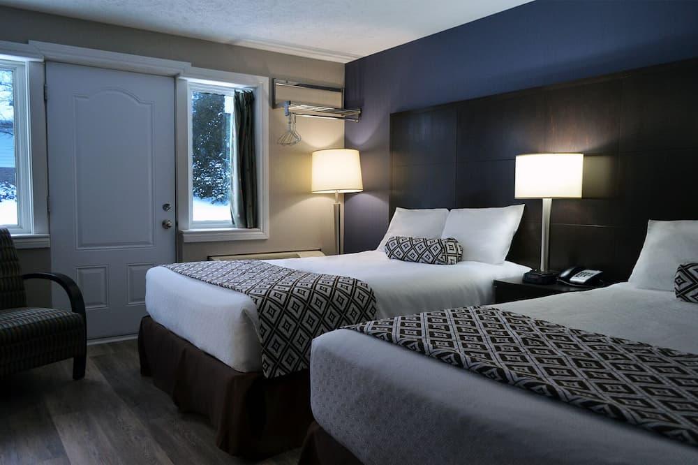 Standard Single Room, 2 Double Beds - Living Area
