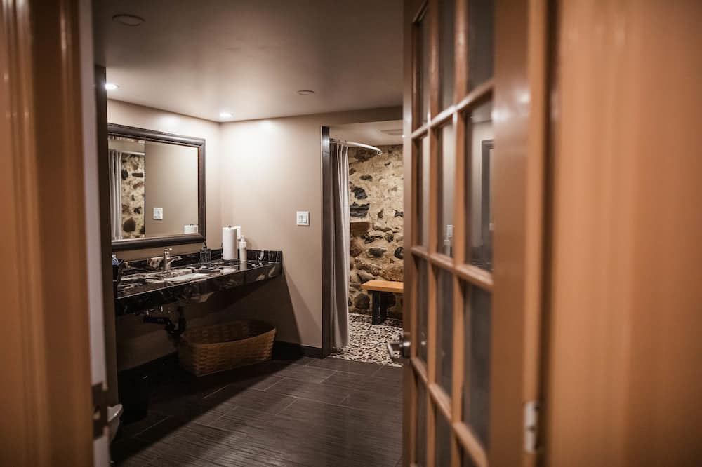 Deluxe Double Room (The Smith Room) - Bathroom