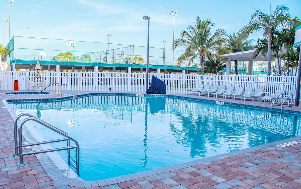 Discovery Beach Resort A Vri Cocoa Outdoor Pool