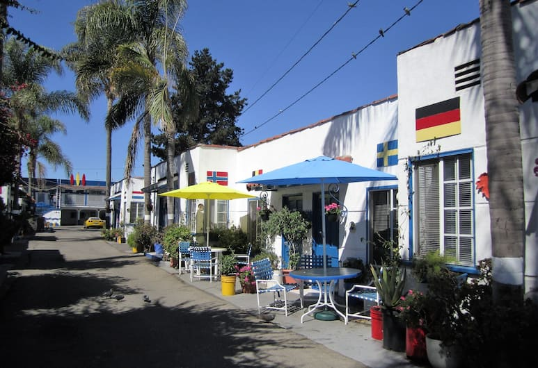 Palm Motel, Santa Monica, Bagian luar