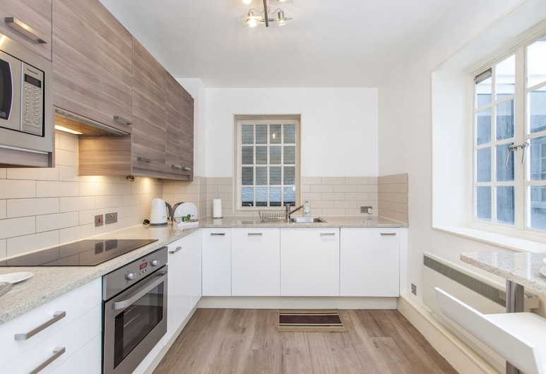 Club Living - Liverpool St. Apartments, London, Classic Apartment, 1 Bedroom ( Second Floor), Private kitchen