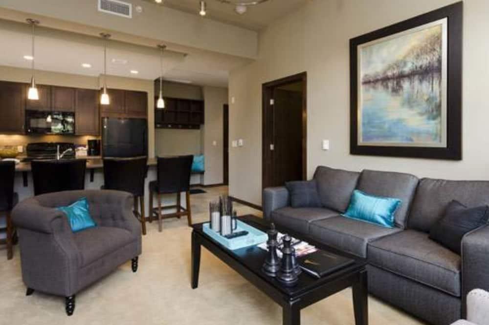 Kooperatīva tūristu mītne, vairākas guļamistabas, vanna (Howelsen Place - H201A) - Dzīvojamā zona