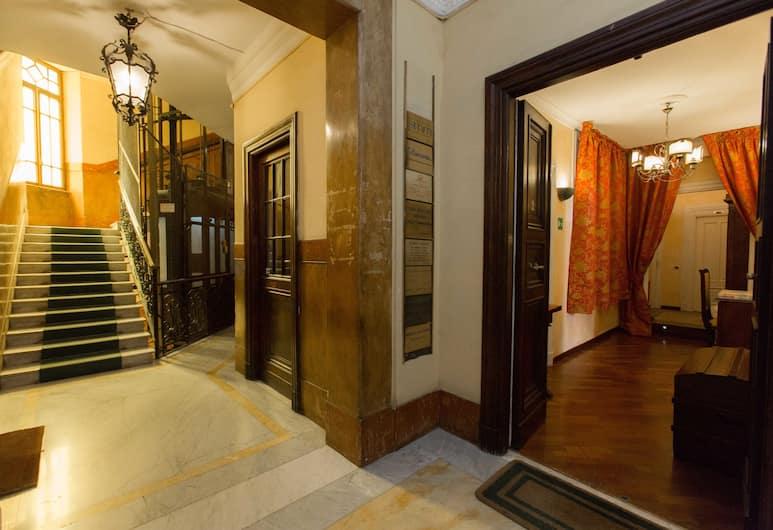 Deseo Maison, Рим, Вход в отель