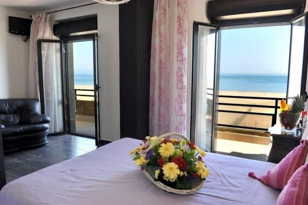 Dobbeltrom for 1 person – panoramic, 1 kingsize-seng, eget bad, utsikt mot hav - Utvalgt bilde