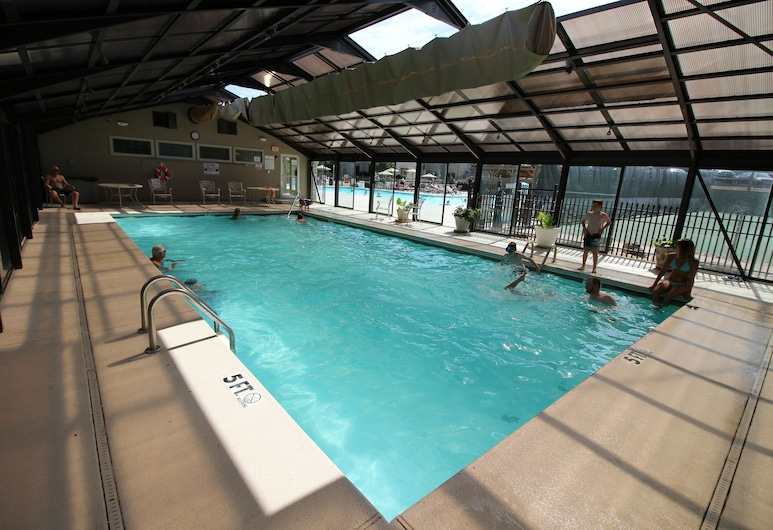 Pointe Royale Condo Vacation and Golf Resort, Branson, Innenpool