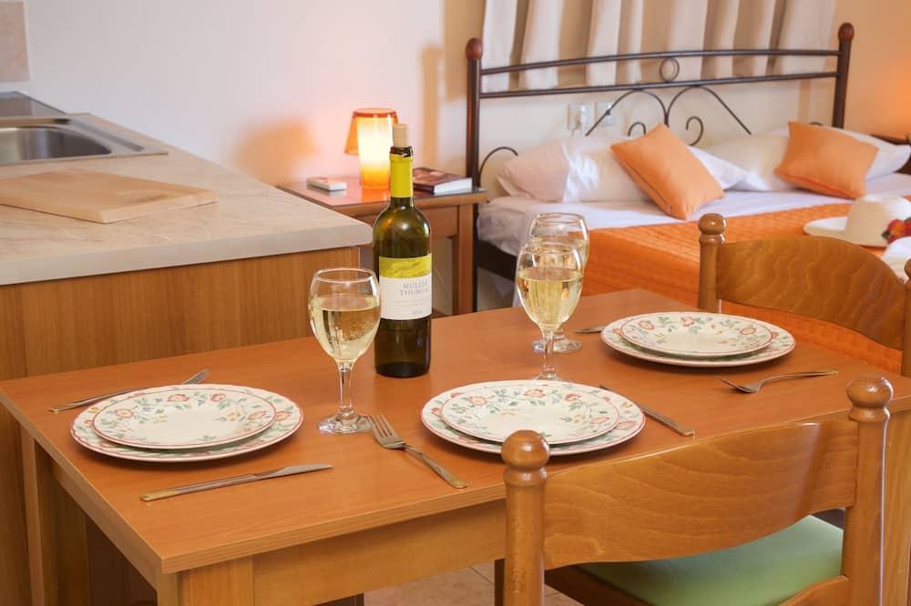 Triple Room - In-Room Dining