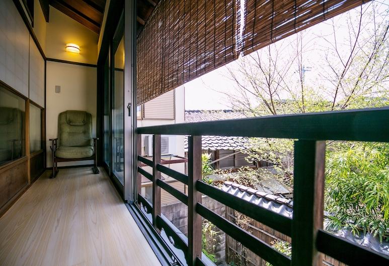 KYOTO yadomachi Kamishichiken, Kyoto