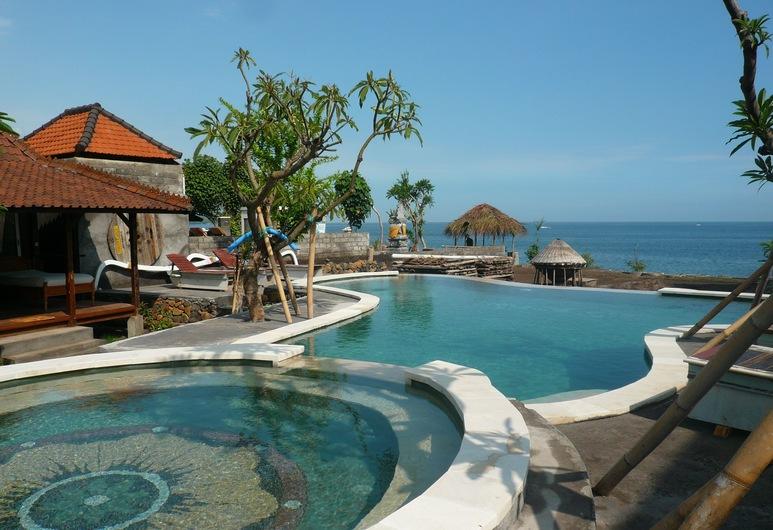 "Classic Beach Villas, Karangasem, Hồ bơi ""vô cực"""