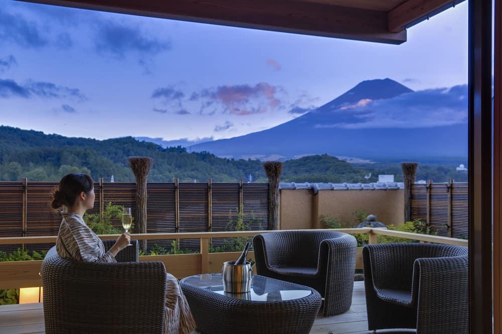 Presidential Suite, Non Smoking (Mt. Fuji View, Open Air Bath) - Teres/Laman Dalam