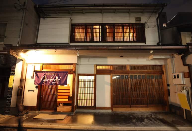 Fairfield House, Kyoto, Hotellets facade - aften/nat