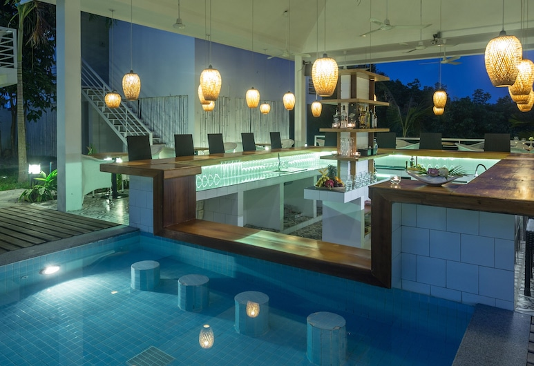 Otres Resort, Sihanoukville, Poolside Bar