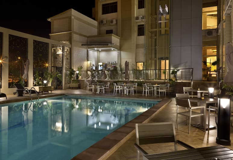 브라비아 호텔 와가두구, 와가두구, 야외 수영장