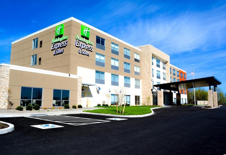 Holiday Inn Express & Suites Oswego, Oswego