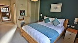 Reserve this hotel in Malpas, United Kingdom