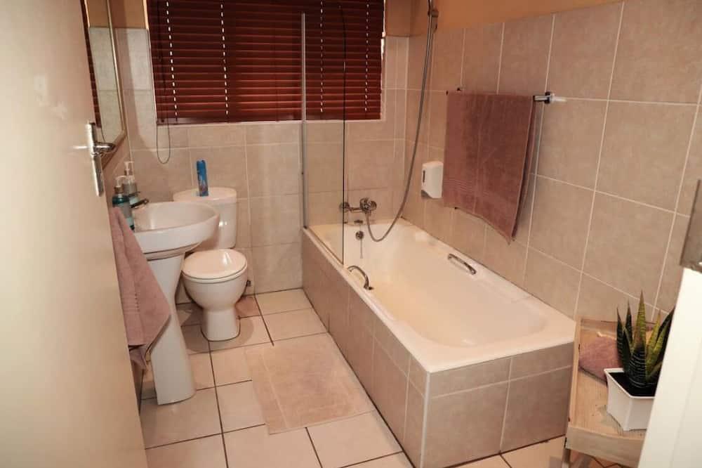 Habitación cuádruple (5 Self catering) - Baño