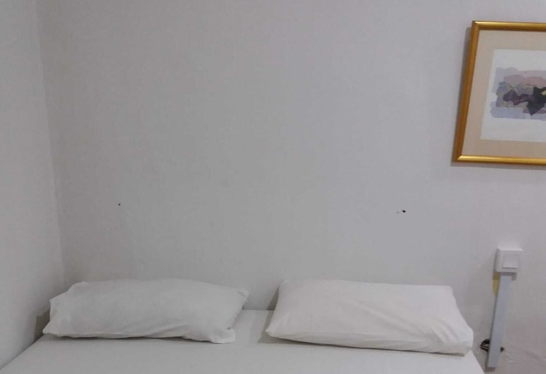 New Asia Star Hotel, Singapore, Triple Room (Ensuite), Guest Room