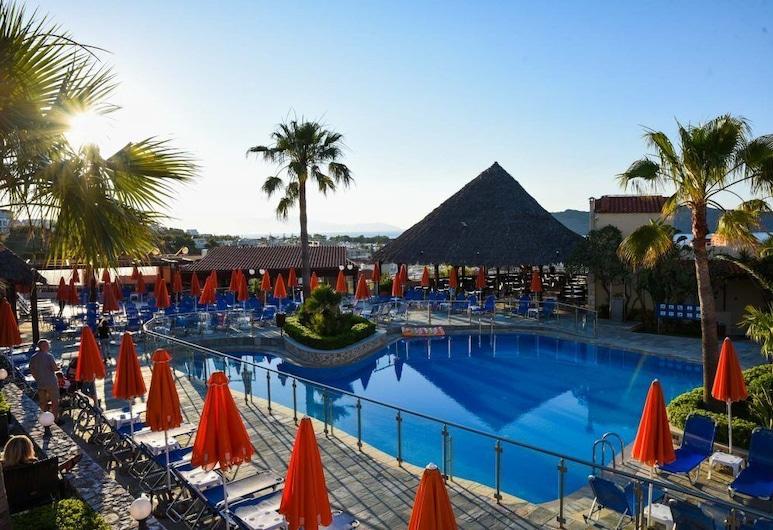 Theo Hotel, Chania, Útilaug