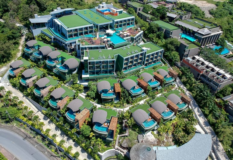 Crest Resort & Pool Villas, Patong, Property Grounds