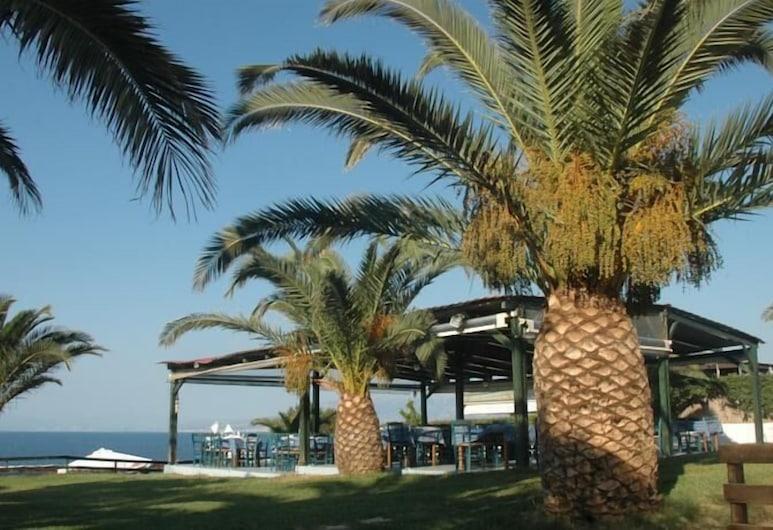 克拉里海灘酒店, 西亞該亞, 庭園