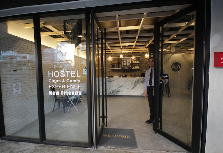 Cazz Hostel, Bangkok, Vchod do hotela