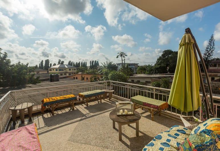 Agoo Hostel, Akra