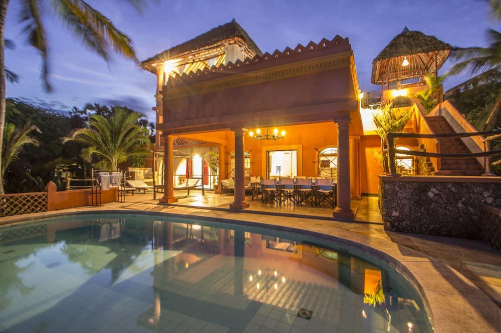 Huis, uitzicht op zee (Main House) - Buitenzwembad