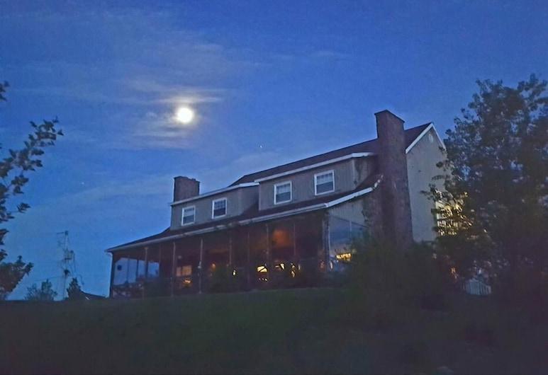 Chanterelle Inn & Cottages, North River Bridge, Zahrada