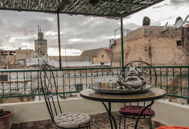 Dar Tahrya, Fes, Área para refeição ao ar livre