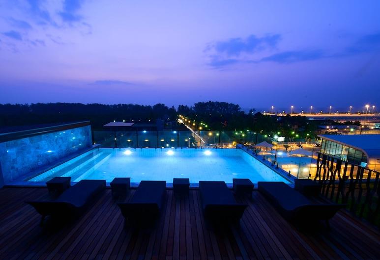 ザ シックスティーンス ナイヤン ビーチ ホテル, Sa Khu, 屋外プール