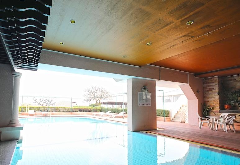 โรงแรมรอยัลซิตี้, กรุงเทพ, สระว่ายน้ำกลางแจ้ง