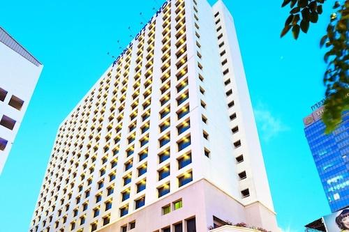 โรงแรมรอยัลซิตี้/
