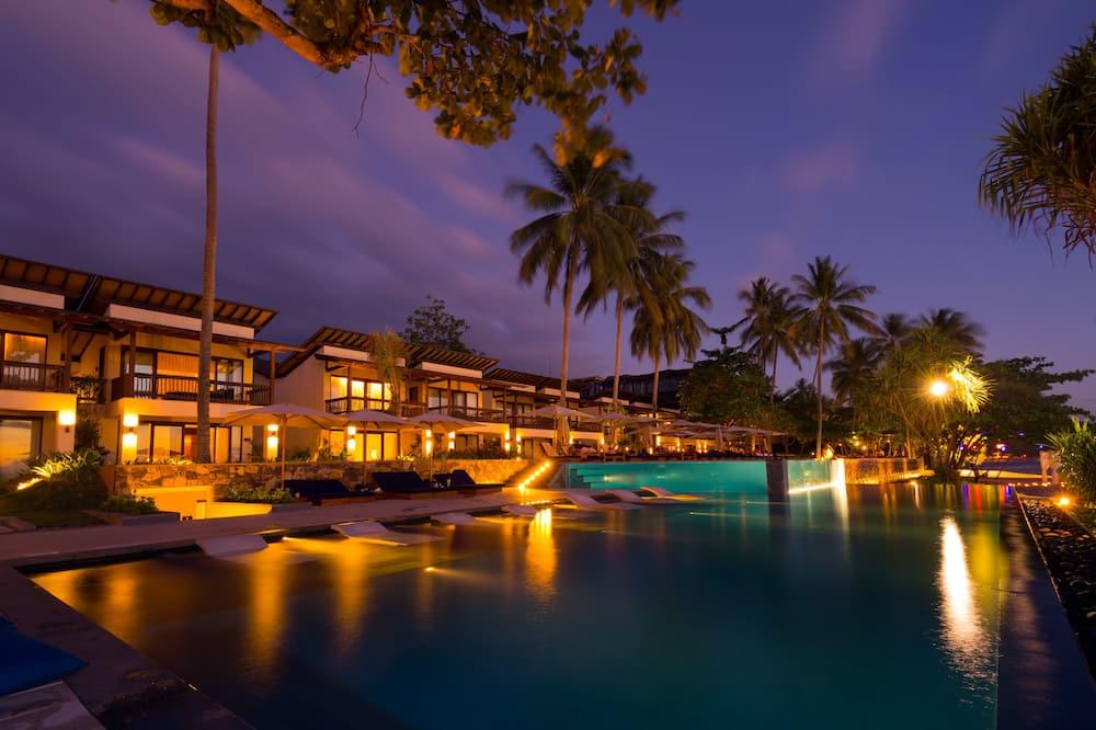 Ocean View Suite (Twin) - Outdoor Pool
