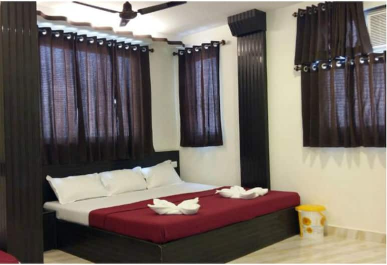 Hotel Silver Moon, Mumbai, Deluxe Double Room, 1 Double Bed, Guest Room