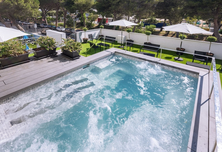 Hotel GHT Sa Riera, Tossa de Mar, Bañera de hidromasaje al aire libre