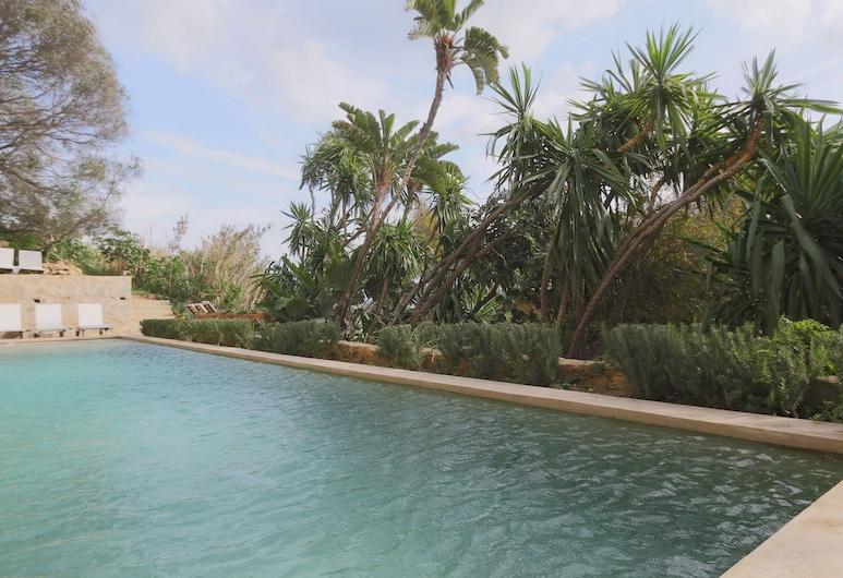 Mimi Calpe, Tangier, Outdoor Pool