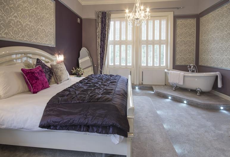 Derby Manor, Bournemouth